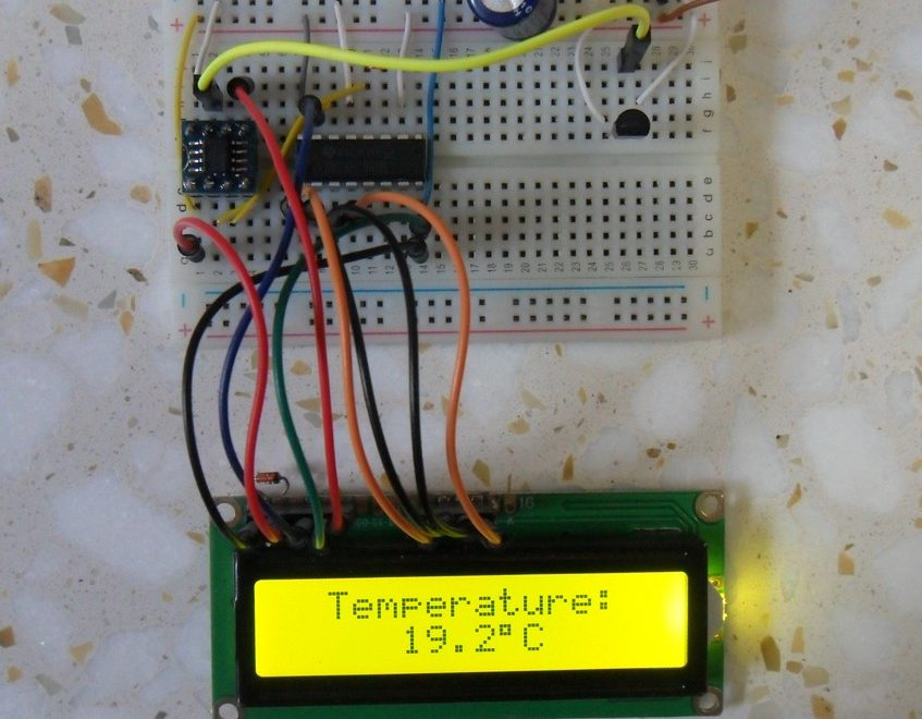 PIC12F1822 LM35 temperature sensor interface circuit