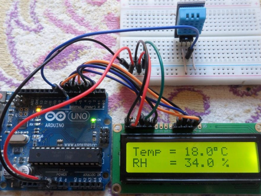 Interface Arduino with DHT11 sensor and LCD circuit