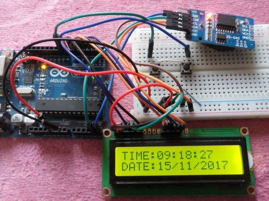 Arduino with LCD and DS3231 real time clock