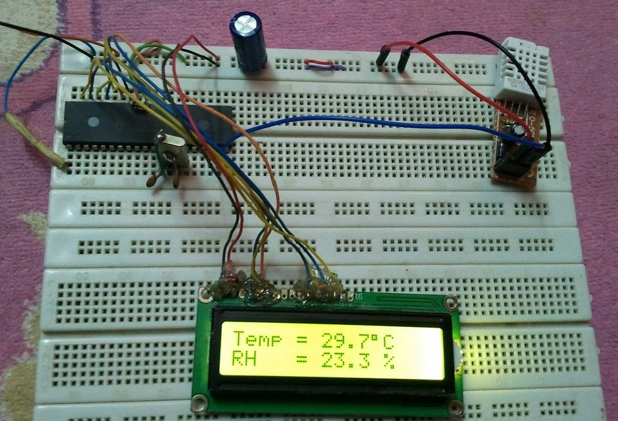 PIC16F877A DHT22 sensor hardware circuit