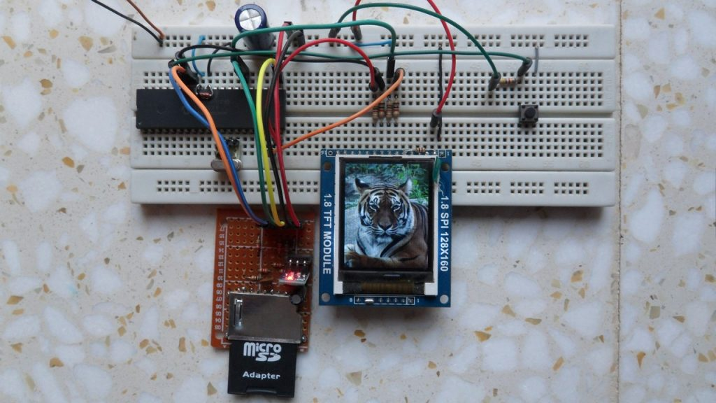 BMP images display from SD card with PIC18F4550 and ST7735 TFT hardware