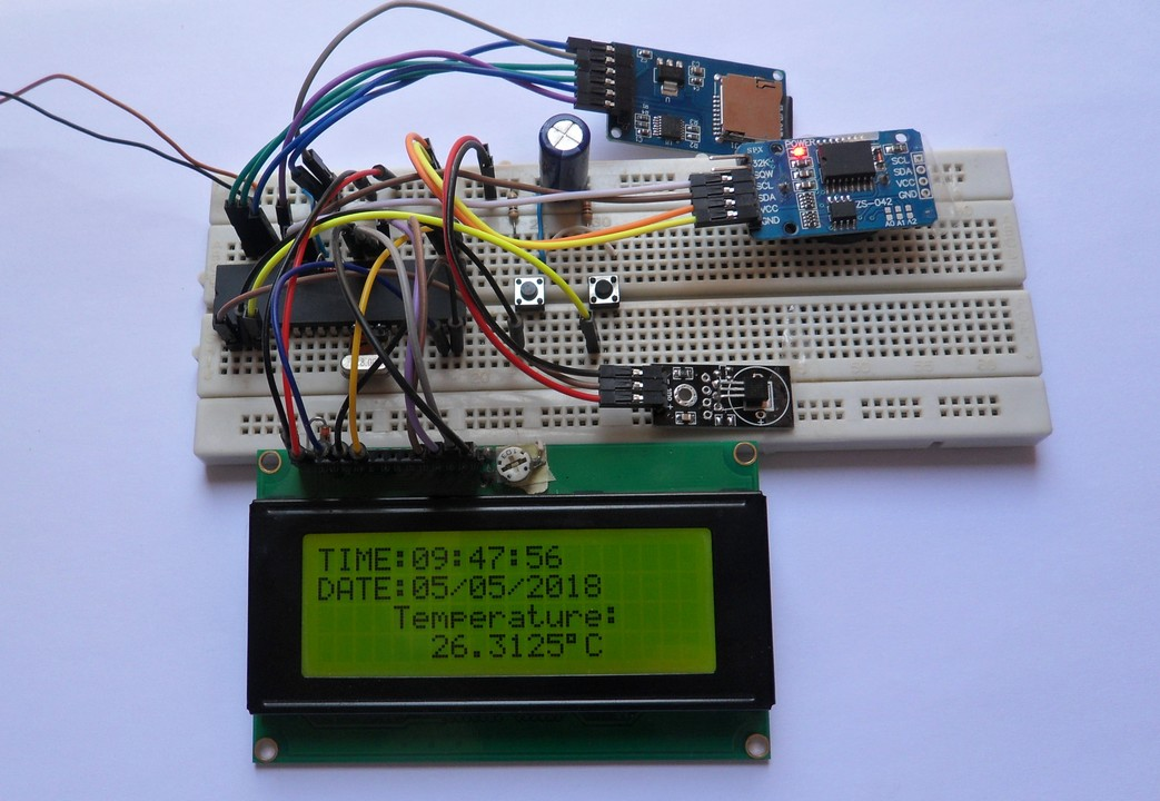 Temperature data logging with PIC18F4550 and DS18B20 sensor