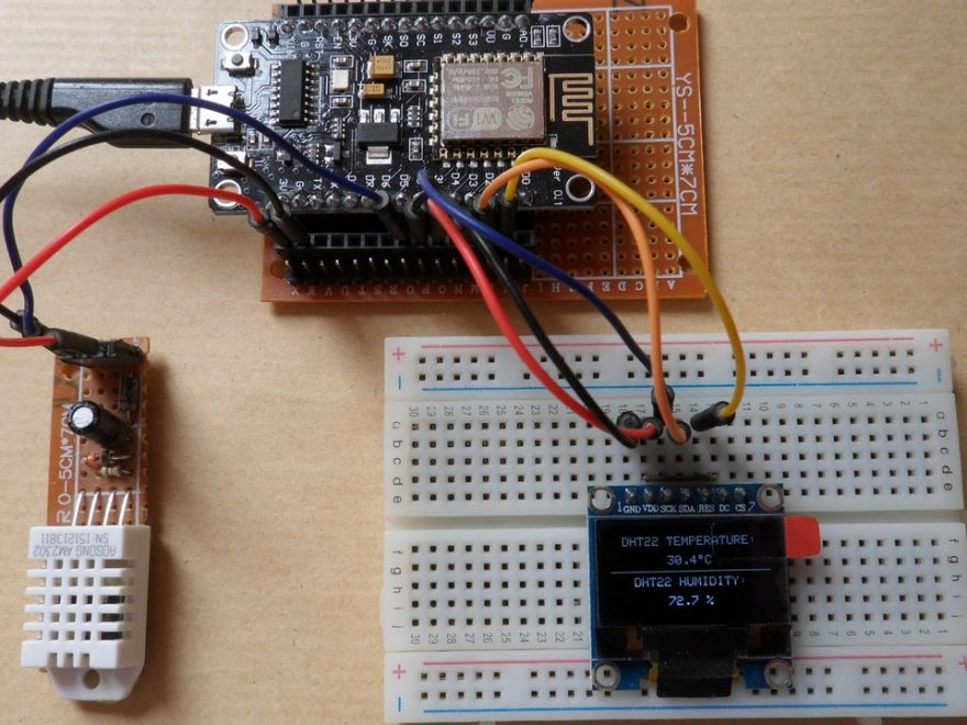 NodeMCU with SSD1306 OLED and DHT22 AM2302