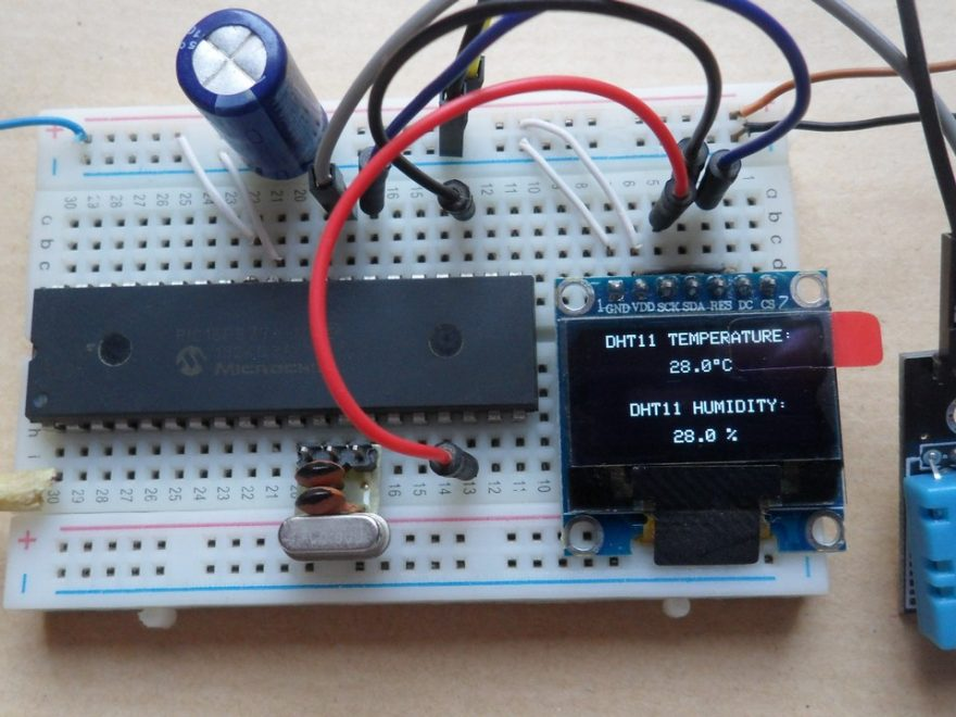 PIC16F877A with SSD1306 OLED display and DHT11 sensor
