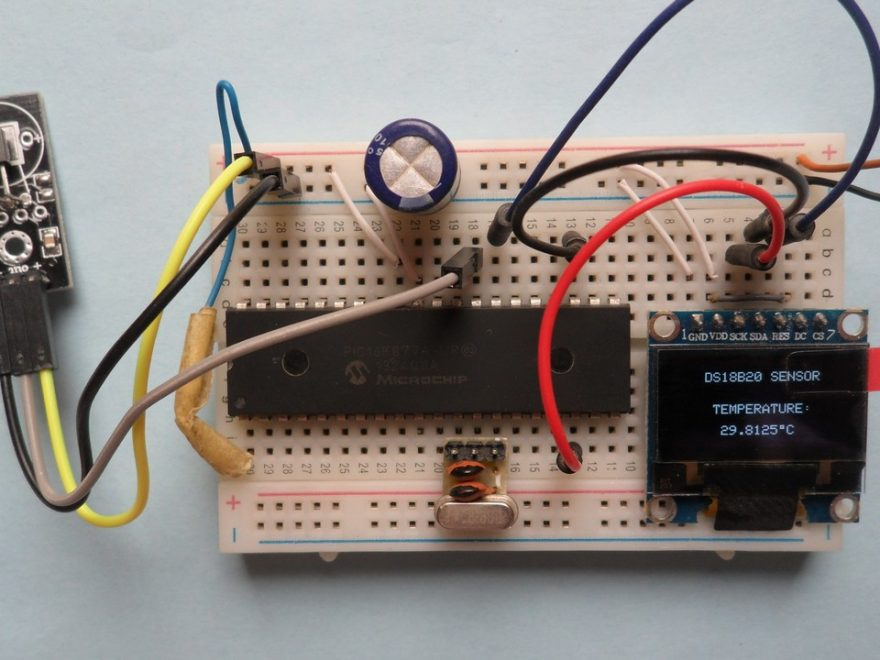 PIC16F877A SSD1306 DS18B20 snesor, temperature monitor project