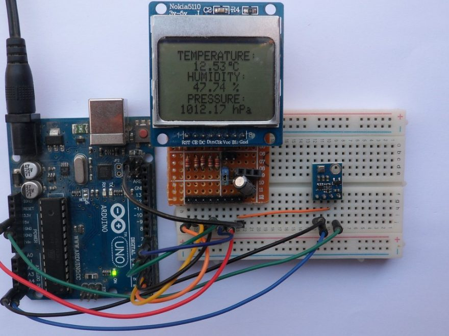 Arduino weather station using BME280 sensor NOKIA 5110 LCD