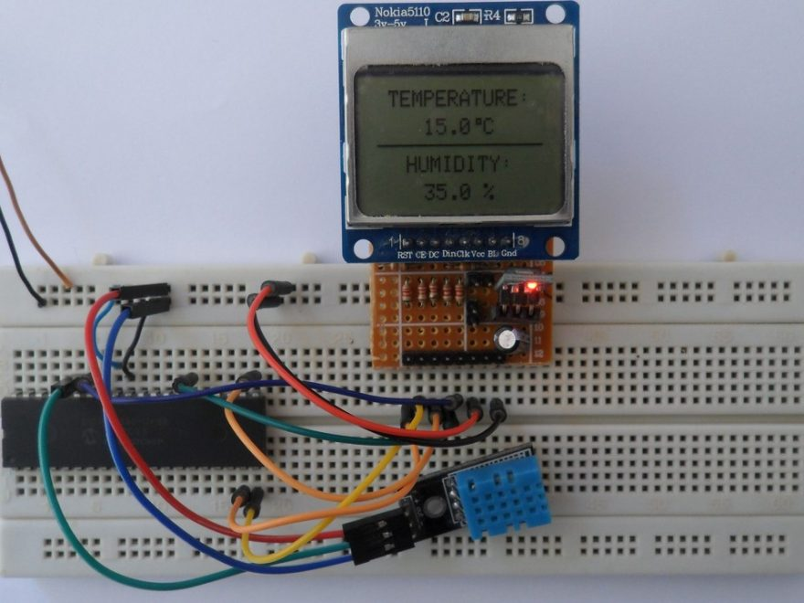 PIC18F4550 MCU with Nokia 5110 LCD and DHT11 sensor