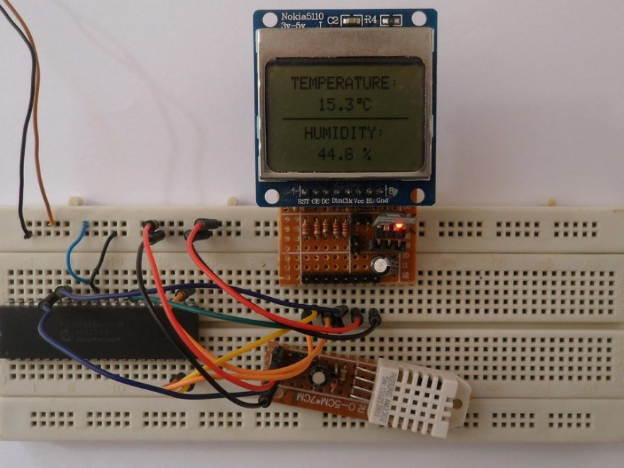 PIC18F4550 with Nokia 5110 LCD and DHT22 sensor