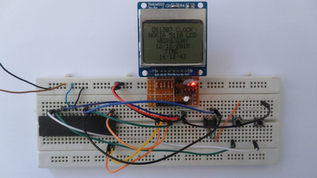 PIC18F4550 with DS1307 RTC, Nokia 5110 LCD and set buttons