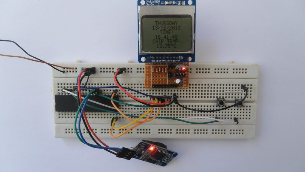 PIC18F4550 MCU with DS3231 and Nokia 5110 graphical LCD