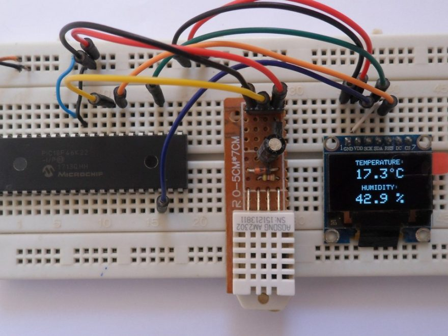 PIC18F46K22 with DHT22 (AM2302) sensor and SSD1306 OLED