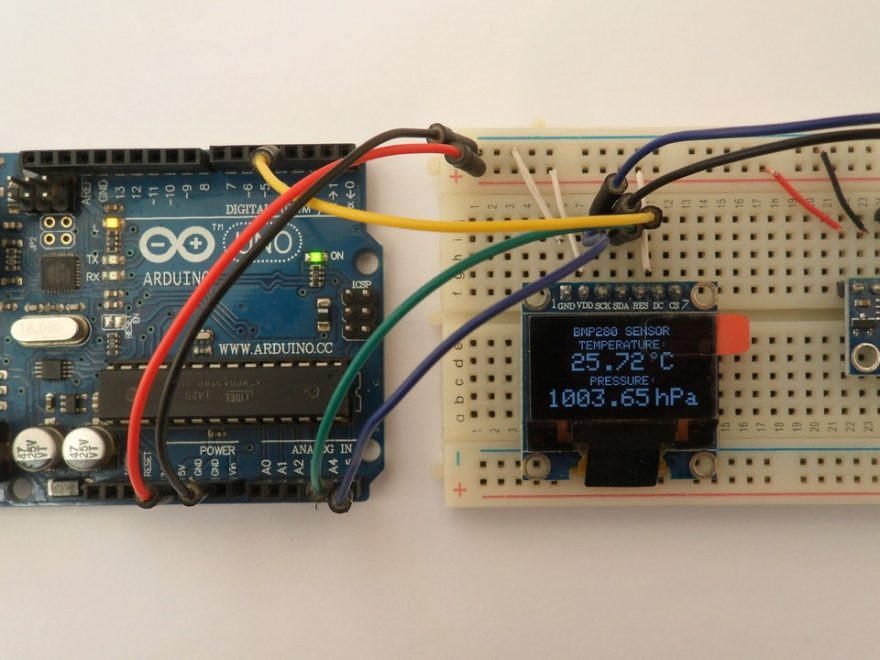 Arduino with SSD1306 OLED display and BMP280 sensor