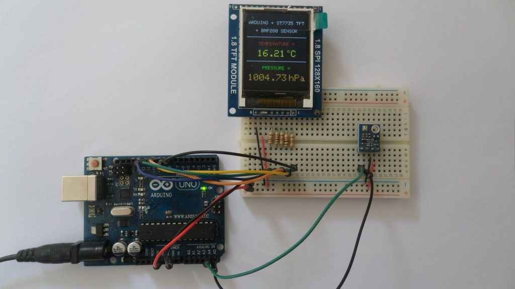 Arduino UNO with BMP280 sensor module and ST7735S TFT display