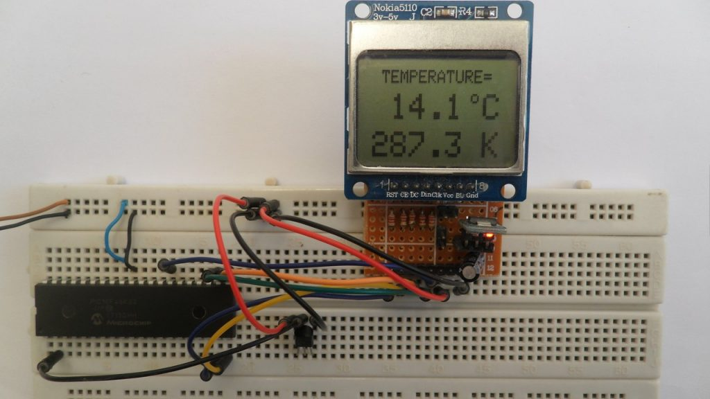 PIC18F46K22 MCU with Nokia 5110 LCD and LM35 temperature sensor