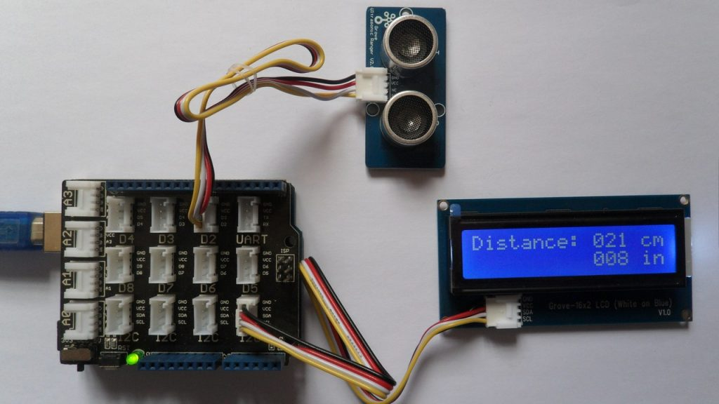 Arduino with Grove ultrasonic ranger and I2C LCD
