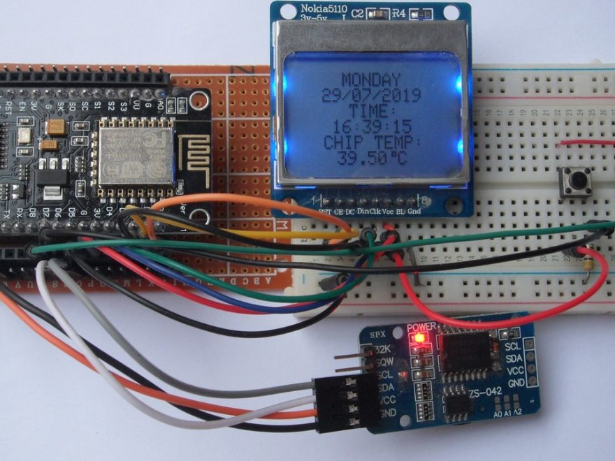 NodeMCU real time clock with set buttons using DS3231 and Nokia LCD