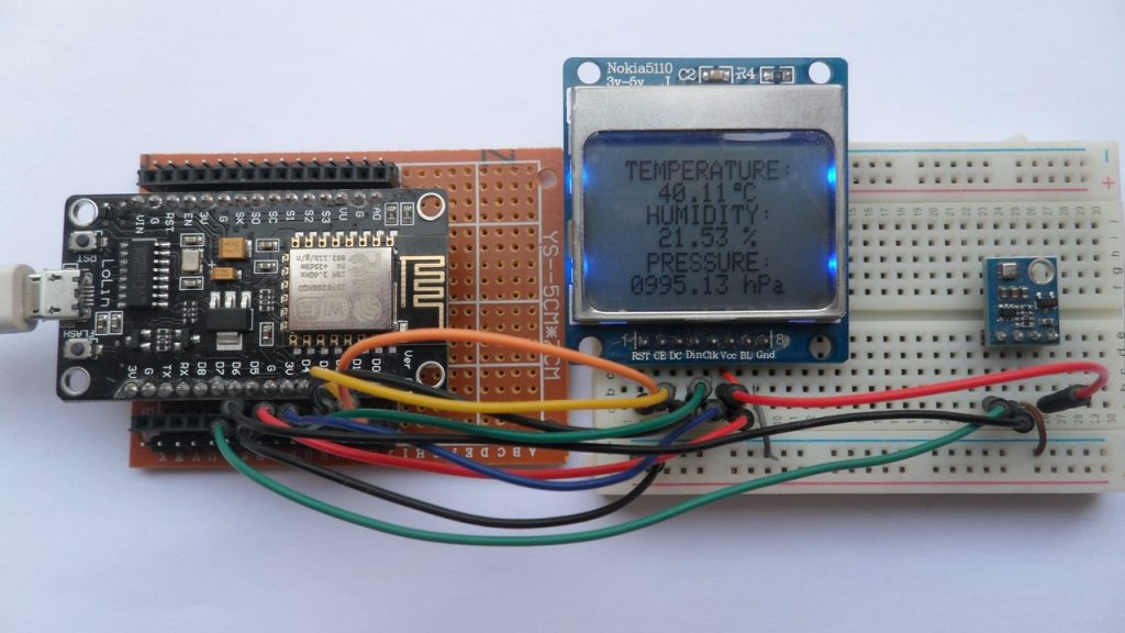 Weather station NodeMCU BME280 sensor and Nokia 5110 LCD
