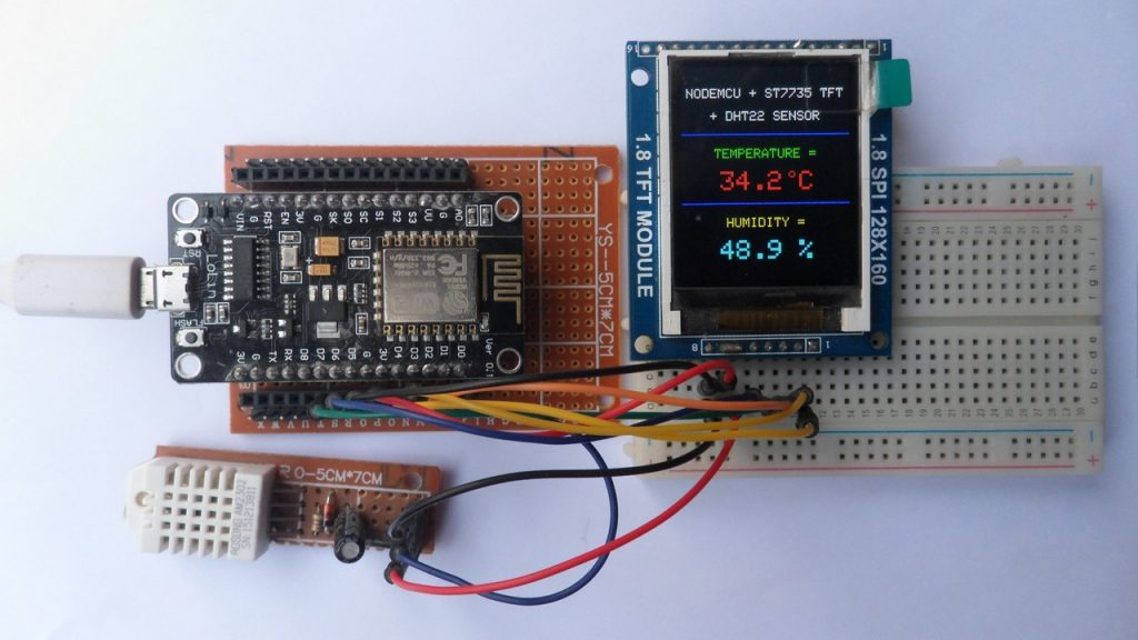 NodeMCU with ST7735S TFT and DHT22 sensor