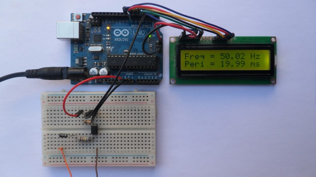 Arduino frequency counter with 230/400V 50Hz system